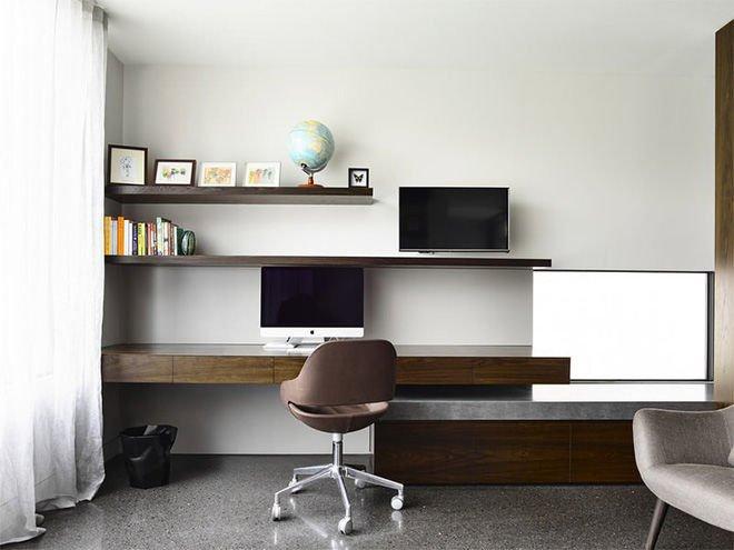 Sử dụng gam màu trầm được cho là một ý tưởng quá đỗi tuyệt vời mang tới không gian phòng khách tinh tế nhất