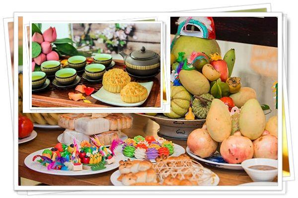 Bánh trung thu, trà và hoa quả là lễ vật trong mâm cúng trung thu không thể thiếu